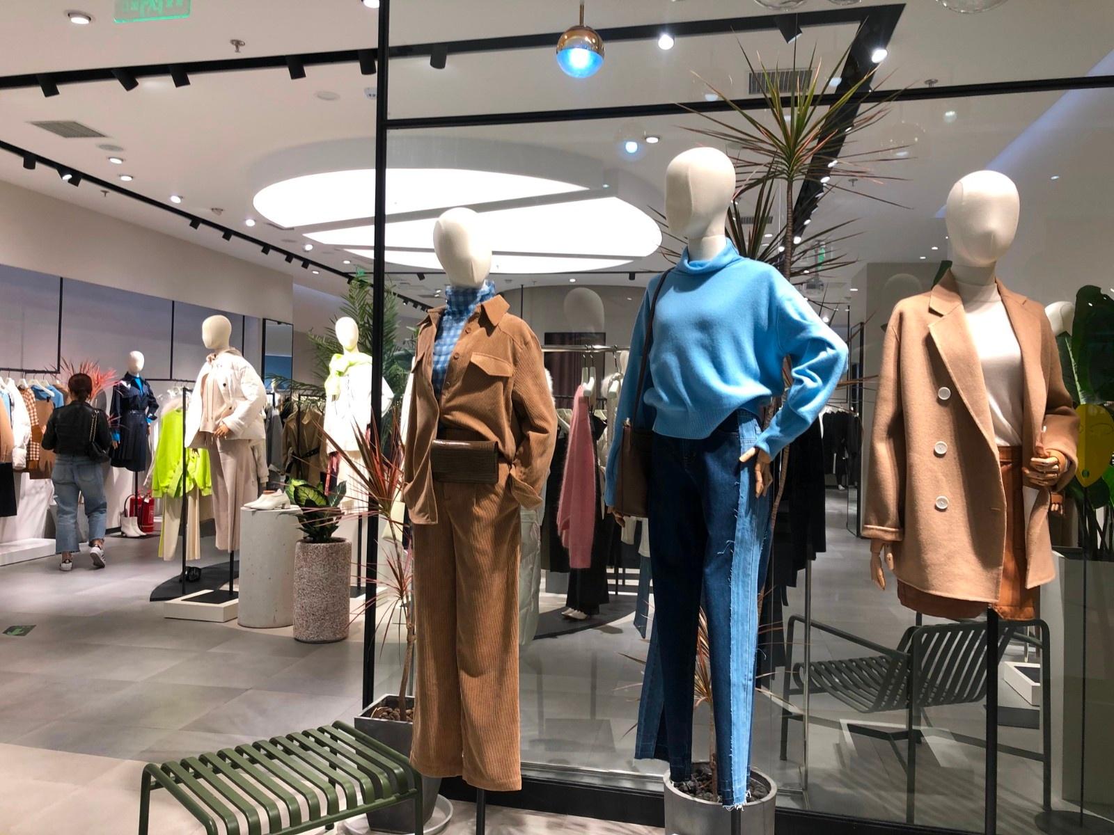 """市场缓慢回暖服装行业离""""春天"""""""
